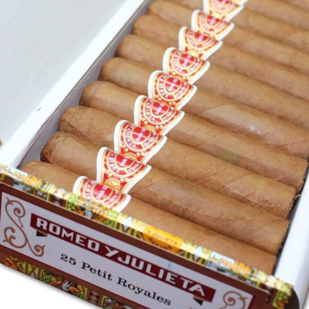 box Romeo Y Julieta Petit Royales